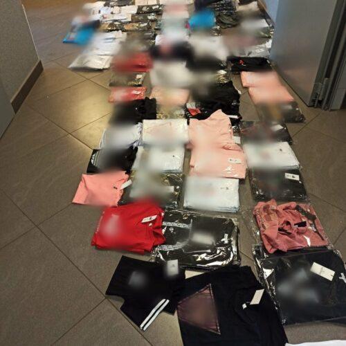 Policjanci przechwycili podrabianą odzież